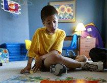 Cha mẹ sống khép kín có thể sinh con tự kỷ