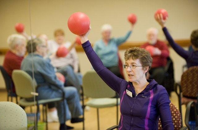 Chấn thương và thuốc sâu làm tăng mắc Parkinson