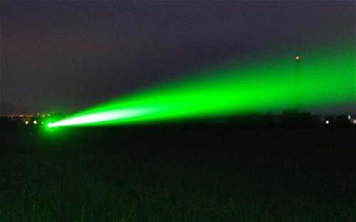 Chống cướp biển bằng đại bác laser