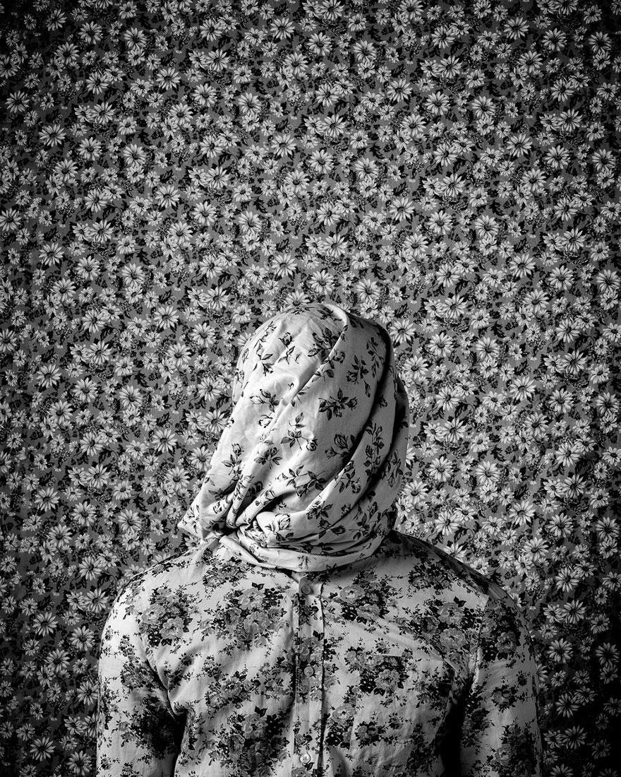 Chùm ảnh ấn tượng: Biến căng thẳng thành nghệ thuật