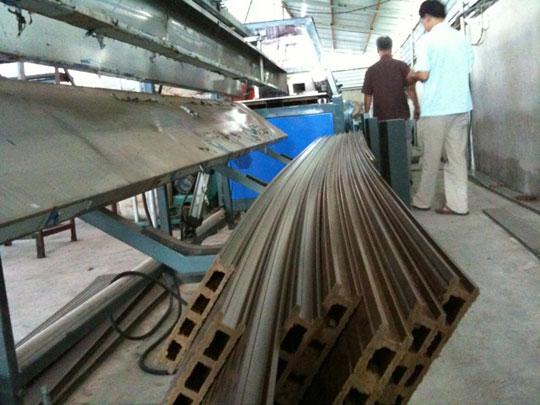 Công nghệ biến vỏ trấu thành… gỗ