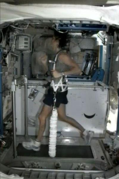 Cuộc thi Olympic đầu tiên giữa vũ trụ và Trái đất