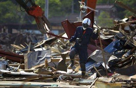 Đáy biển Nhật dịch chuyển 24 m vì động đất