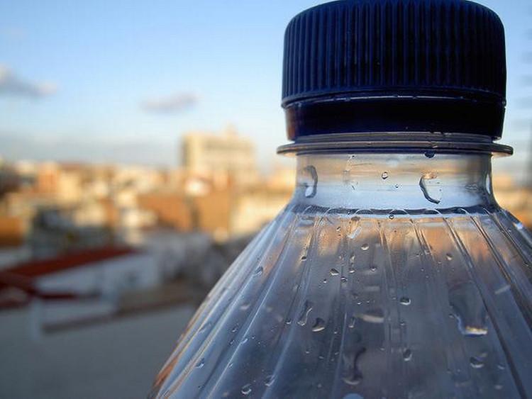Đừng bơm nước lại những chai nhựa để tái sử dụng nhiều lần, hiểm họa khôn lường