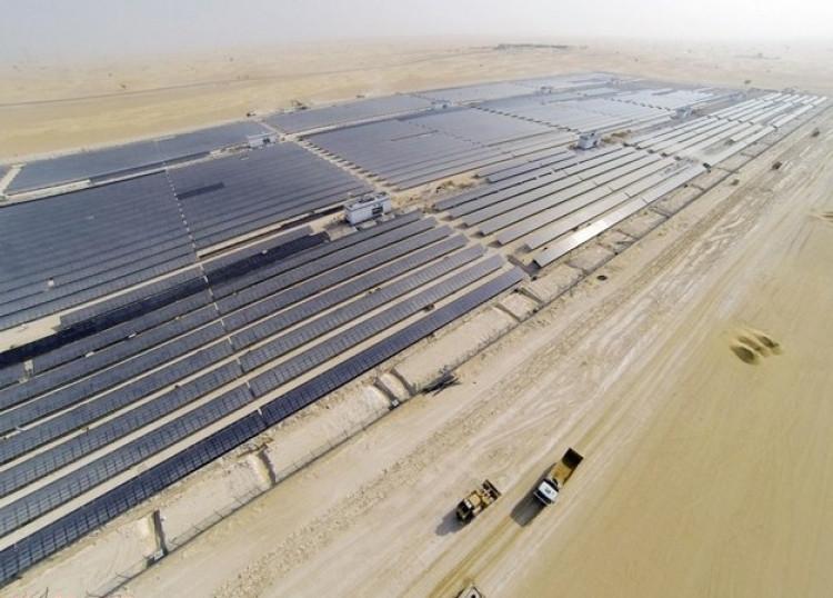 Giá điện mặt trời ở Dubai rẻ bằng 1/3 giá điện ở Việt Nam