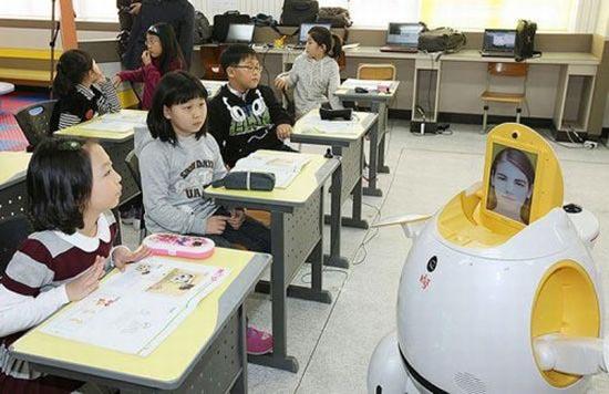 Hàn Quốc thí điểm dùng robot giảng dạy tiếng Anh