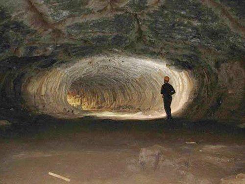 Hang động dung nham dài nhất Đông Nam Á ở Việt Nam
