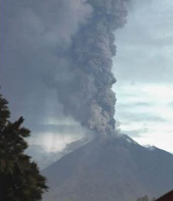 Indonesia: Núi lửa thức giấc