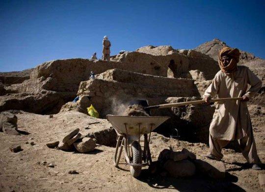 Khai thác đồng, phát hiện tu viện cổ 2.600 năm