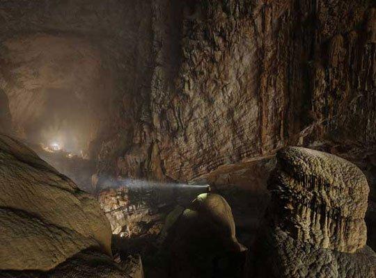 Khám phá hang động lớn nhất thế giới tại Việt Nam