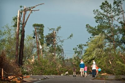Lốc xoáy tràn qua một nửa nước Mỹ, 45 người chết