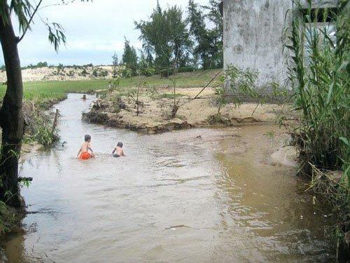 Lũ cát ở Quảng Bình