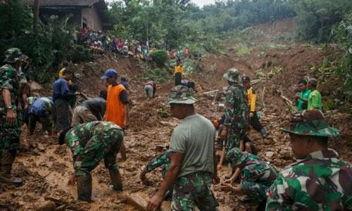 Lũ lụt, lở đất ở Indonesia, 24 người thiệt mạng