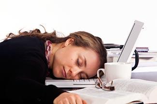 Mất ngủ kéo dài sẽ làm ảnh hưởng đến tâm trạng