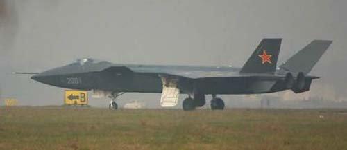 Mổ xẻ máy bay tàng hình Trung Quốc