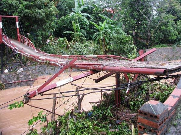 Mưa lũ ở Quảng Ninh làm 8 người chết, 6 người mất tích