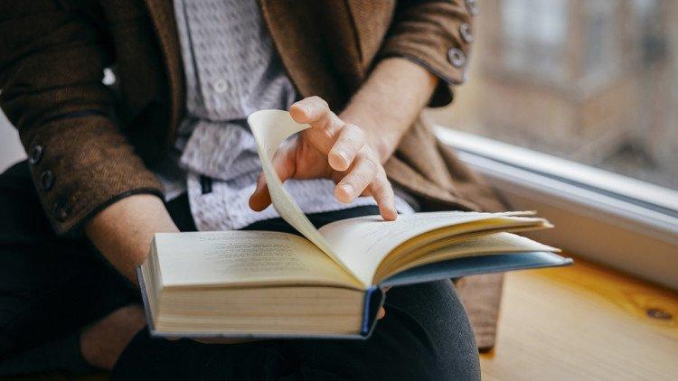 Muốn sống lâu, hãy đọc sách nhiều hơn