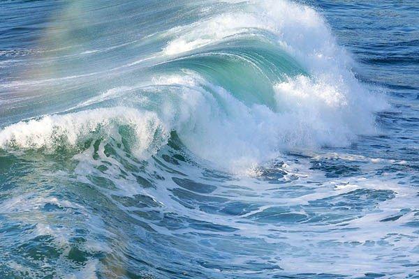 Mỹ tìm cách phát triển năng lượng xanh từ sóng