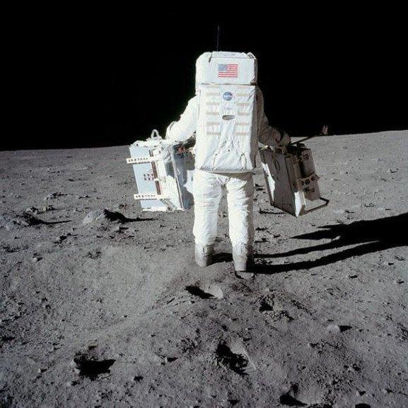 NASA công bố 8.400 bức ảnh về quá trình khám phá Mặt Trăng