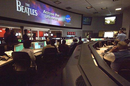 """NASA thanh lý máy chứa dữ liệu """"nhạy cảm"""""""