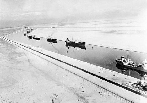 Ngắm kênh đào Suez mới của Ai Cập trong ngày khánh thành
