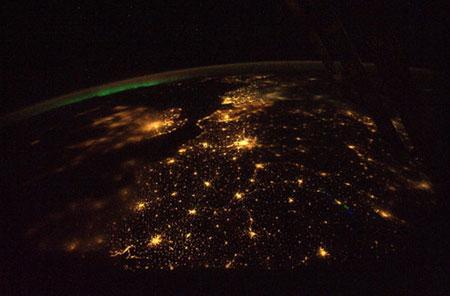 Ngắm trái đất từ vũ trụ