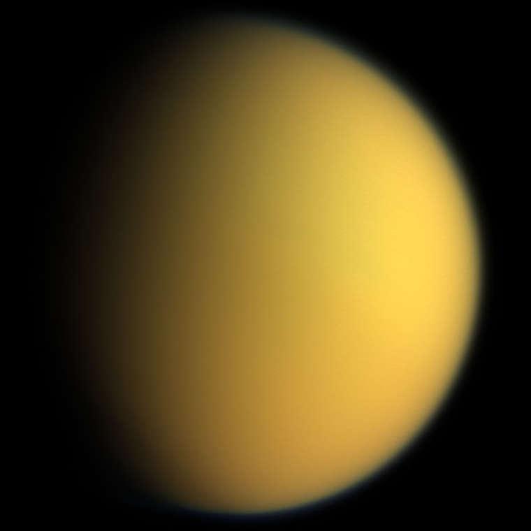 Ngày 25/3/1655: Phát hiện vệ tinh lớn nhất của sao Thổ là Titan