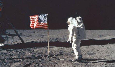 Người Mỹ có lên Mặt trăng thật không?
