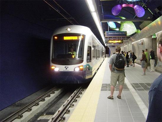 Nguy cơ hen suyễn, ung thư phổi khi dùng tàu điện ngầm