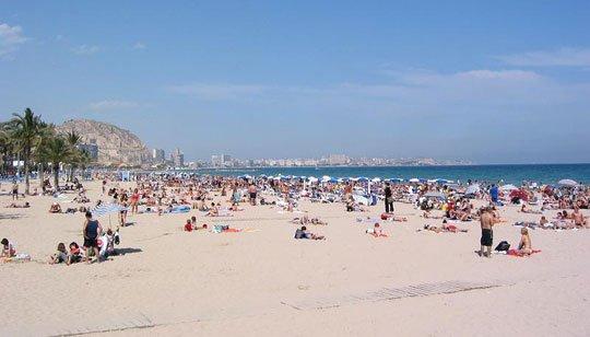 Nha Trang bị xếp loại bãi biển 'tồi nhất'