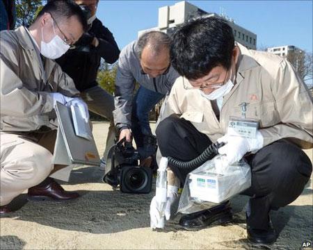 """Nhật """"cầu cứu"""" nhà máy xử lý phóng xạ nổi của Nga"""