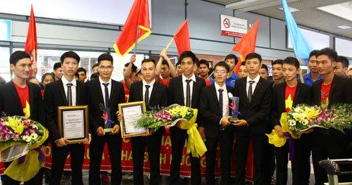 Những chàng trai chân đất vô địch Robocon Châu Á - Thái Bình Dương 2015
