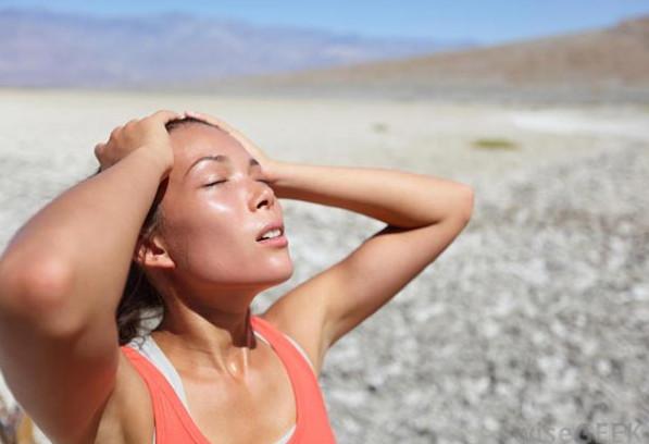 Những dấu hiệu báo động bạn uống không đủ nước