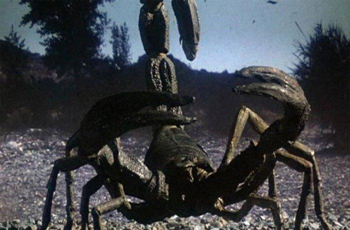 """Những loài sâu bọ tiền sử khiến bạn """"sởn gai ốc"""""""