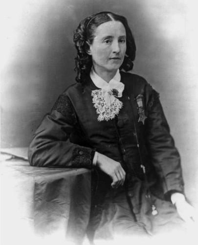 Nữ bác sĩ đầu tiên của quân đội Mỹ