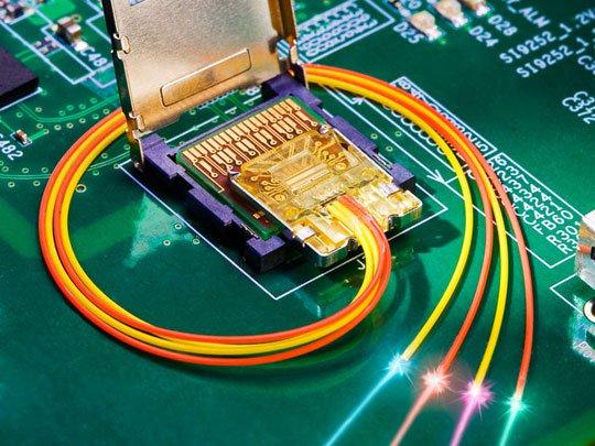 Pháp nghiên cứu công nghệ lưu trữ quang học 3D