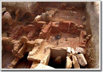 Phát hiện cánh cổng giả dành cho người chết ở những ngôi mộ Ai Cập cổ đại