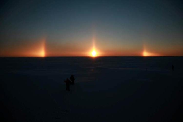 Phát hiện ra hành tinh kỳ lạ có 3 Mặt Trời với mùa hè kéo dài tới 300 năm