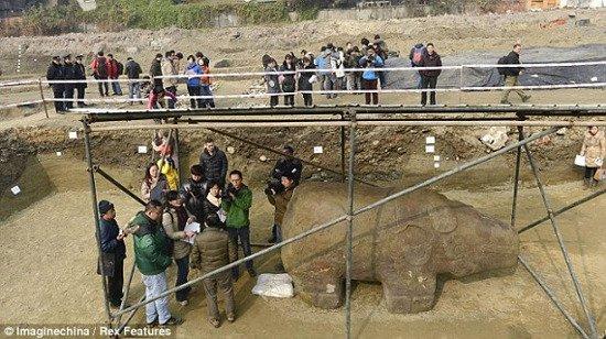 Phát hiện tượng đá bí ẩn ở Trung Quốc