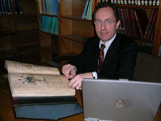 Phát hiện viên thuốc thảo mộc 2000 năm tuổi