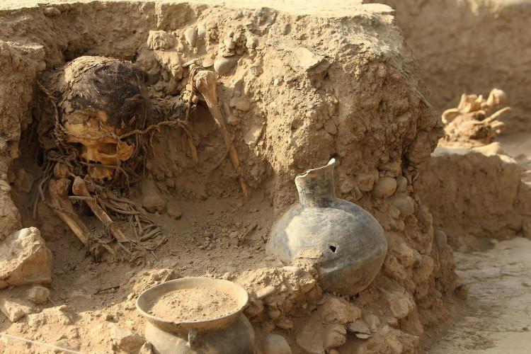 Phát hiện xác ướp phụ nữ có niên đại 4.500 năm tuổi tại Peru