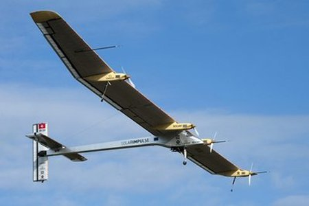 Phi cơ mặt trời lần đầu bay xuyên châu Âu