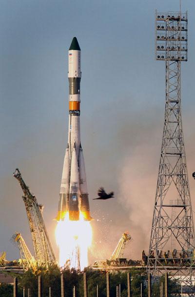 Phóng tàu tiếp tế trạm vũ trụ