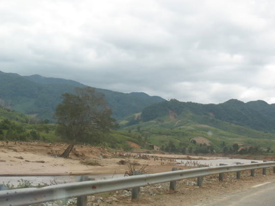 Phú Yên: Lũ cát chưa từng có