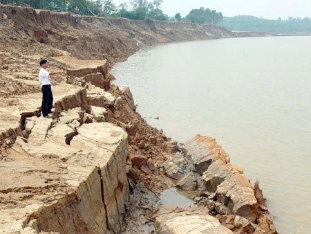 Sạt lở hơn 900ha đất ven sông, ven biển ở Cà Mau