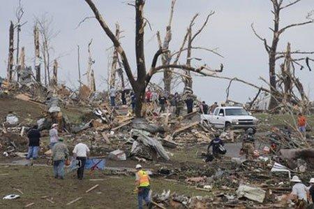 Số người chết vì bão lốc tại Mỹ tăng lên gần 300