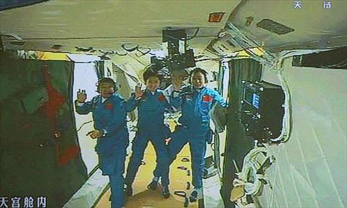 Tại sao nữ phi hành gia vào Thiên Cung-1 sau cùng?