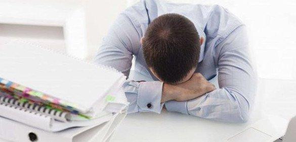 Tại sao vừa ngủ dậy vẫn mệt mỏi?