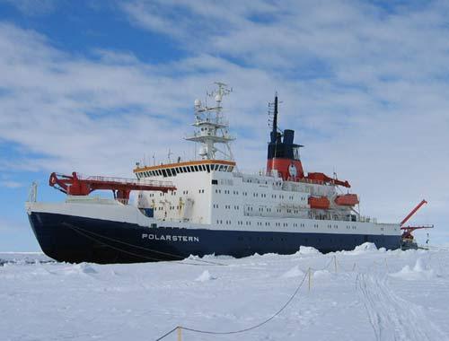 Tàu phá băng Polarstern thám hiểm vùng đáy biển chưa có trên bản đồ