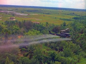 Tẩy độc đất nhiễm dioxin bằng phân hủy sinh học